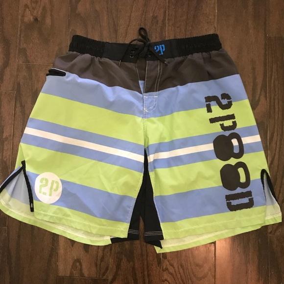 "2POOD ""Stripes"" Workout WOD Shorts Size Medium"